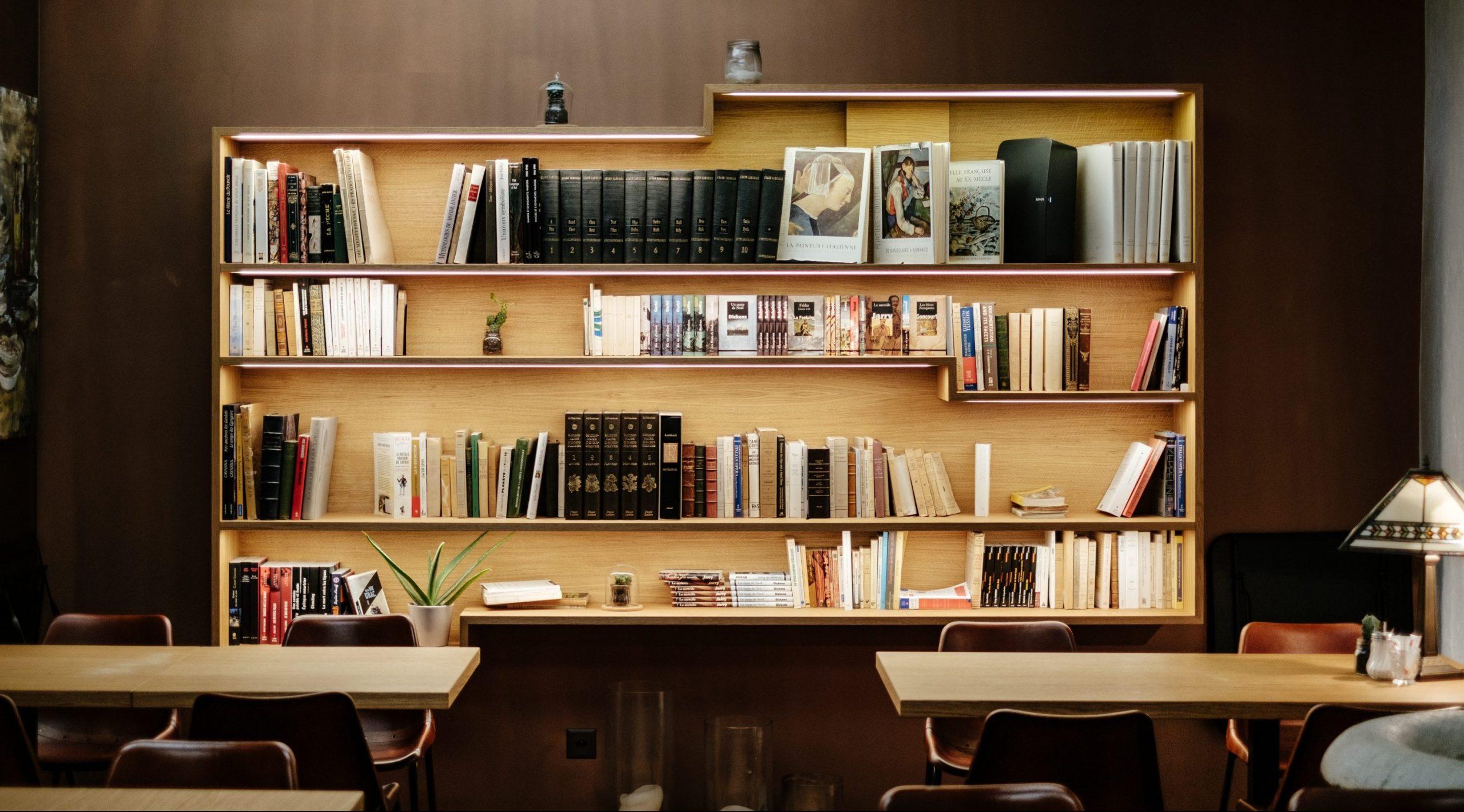 furniture photo by samuel-zeller on unsplash