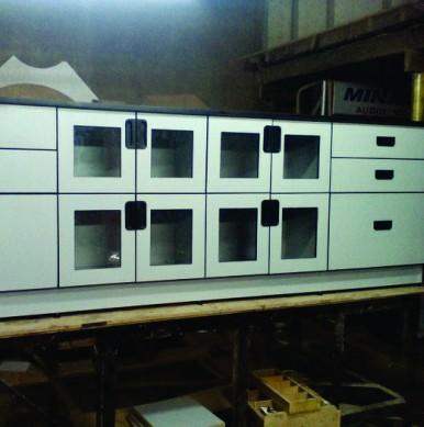 Cabinets 8B